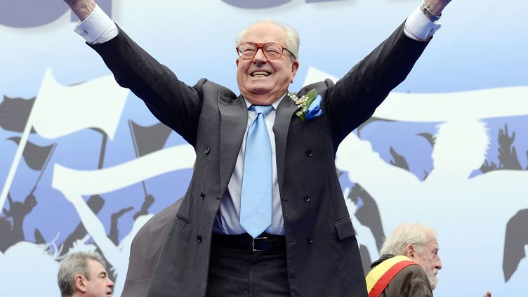 Jean-Marie Le Pen, le 1er mai 2013 à Paris. (ERIC FEFERBERG / AFP)