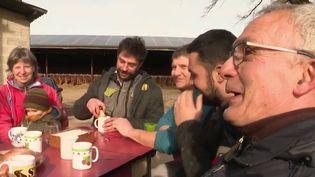 Agriculture : le collectif, le secret de la viabilité pour une famille du Lot (France 3)