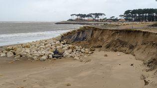 Érosion de la dune de La Palmyre, en Charente-Maritimes (Photo d'illustration). (HONORÉ SAMUEL / MAXPPP)