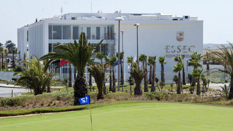 L'Essec, la célèbre école de commerce française, a installé un campus à Rabat (Maroc). L'inauguration a eu lieu le 21 avril 2017, en présence de Jean-Michel Blanquer, alors directeur général de l'Ecole, avant d'être nommé ministre de l'Education dans le gouvernement d'Edouard Philippe. (FADEL SENNA / AFP)