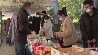 Précarité étudiante : forte affluence lors d'une distribution alimentaire à l'université d'Orléans (France 3)