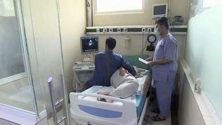Afghanistan : le système de santé au bord de l'effondrement (FRANCE 2)
