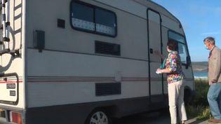 Les camping-cars ont rencontré un vrai succès depuis le confinement. Mais cela a eu des conséquences dans certaines communes, qui se sentent presque envahies par ces véhicules. (CAPTURE D'ÉCRAN FRANCE 3)