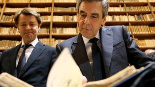 François Fillon (à droite) et François Baroin, à Troyes (Aube), le 7 février 2017. (FRANCOIS NASCIMBENI / AFP)