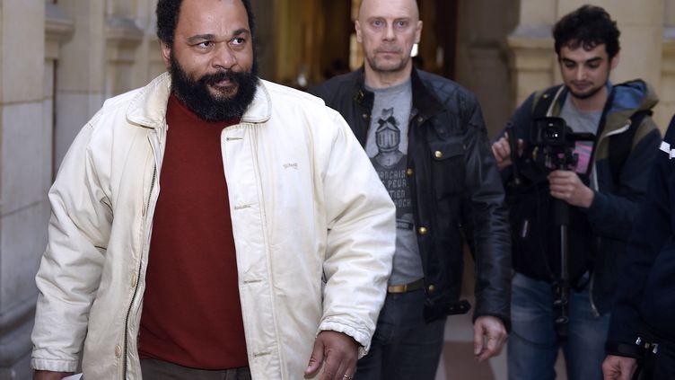 Dieudonné, le 12 mars 2015, au palais de justice de Paris. (LOIC VENANCE / AFP)