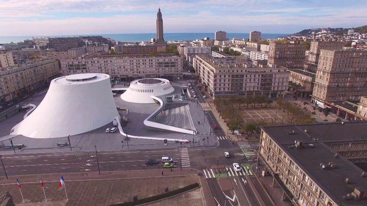 """""""Le Volcan"""" d'Oscar Niemeyer au Havre (France 3 Normandie)"""