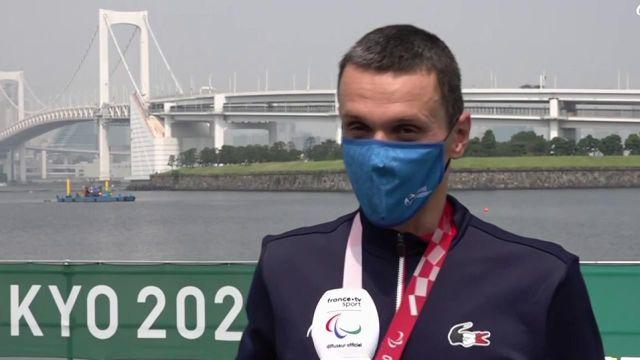 Écoutez la première réaction du tout nouveau champion paralympique de triathlon Alexis Hanquinquant. Le Français s'est imposé en à peine une heure dans la catégorie PTS4 de para triathlon. Il devance de plus de 3 minutes 45 le Japonais Uda. L'Espagnol Sanchez Palomero complète le podium.