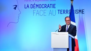 "François Hollande lors de son discours au forum ""La démocratie face au terrorisme"" ce jeudi (POOL / MAXPPP)"