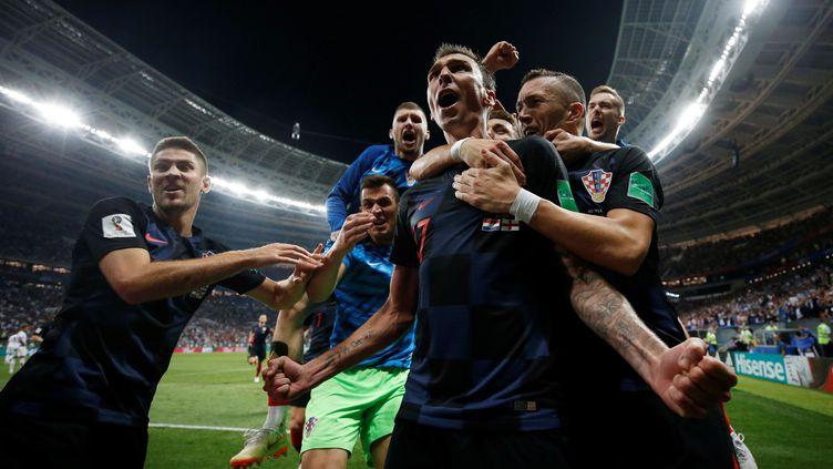 Mario Mandzukic fête son but décisif face à l'Angleterre, le 11 juillet 2018, à Moscou (Russie). (CARL RECINE / REUTERS)