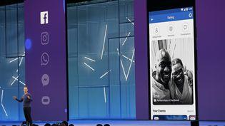 Mark Zuckerberg s'exprime lors de la conférence annuelle des développeurs de Facebook à San Jose (Etats-Unis), le 1er mai 2018. (STEPHEN LAM / REUTERS)