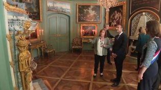 Emmanuel Macron au château de Ferney-Voltaire, dans l'Ain. (FRANCE 3)