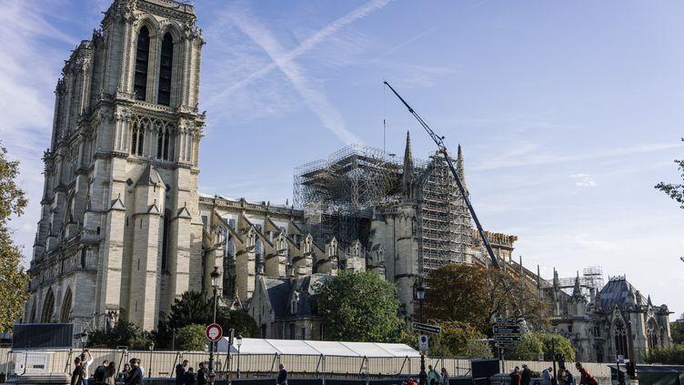 Le chantier de Notre-Dame de Paris, six mois après l'incendie de la cathédrale, le 14 octobre 2019. (DENIS MEYER / HANS LUCAS / AFP)