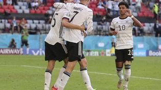 Kai Havertz, Thomas Müller et Serge Gnabry célèbrent la victoire de l'Allemagne face au Portugal, le 19 juin (RALF IBING / AUGENKLICK/FIRO SPORTPHOTO)