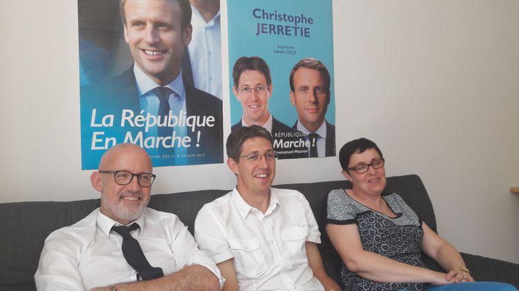 Christophe Jerretie, le candidat LREM dans la première circonscription de Corrèze, annonce le ralliement d'une éluePS et d'un élu LR, en juin 2017 à Tulle. (GAELE JOLY / FRANCEINFO)