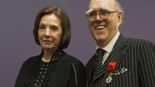 Le collectionneur d'art Spencer Hays et sa femme Marlene au musée d'Orsay, à Paris, en avril 2013. (MICHEL EULER / SIPA)