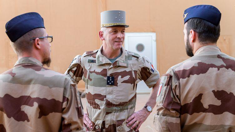 Le Chef d'état major des armées, le général François Lecointre, lors de son déplacement à Niamey, au Niger, le 11 décembre 2019 (Etat-major des Armées)