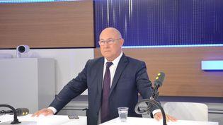 Michel Sapin sur franceinfo, le 3 novembre 2016. (Jean-Christophe Bourdillat / Radio France)