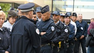 Cérémonie en hommage à une capitaine de police de la sûreté départementale de l'Hérault qui s'est suicidée le 18 avril dans son bureau à Montpellier avec son arme de service. (RICHARD DE HULLESSEN / MAXPPP)