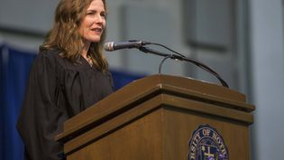 La juge Amy Coney Barrett à l'université de Notre-Dame à South Bend, dans l'Indiana (Etats-Unis), le 19 mai 2018.  (ROBERT FRANKLIN / AP / SIPA)