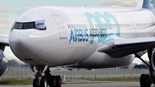 Le premier vol d'un A330neo chez Airbus à Toulouse-Blagnac (Haute-Garonne). Photo d'illustration. (REMY GABALDA / AFP)