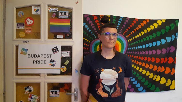 Johanna MAJERCSIK, porte-parole de la Budapest Pride, le 28 juin 2021. (LOUISE BODET / RADIO FRANCE)