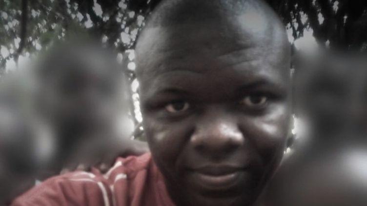 Toujours pas de trace des deux Français disparus au Bénin. Le corps de leur guide a été retrouvé. (FRANCE 2)