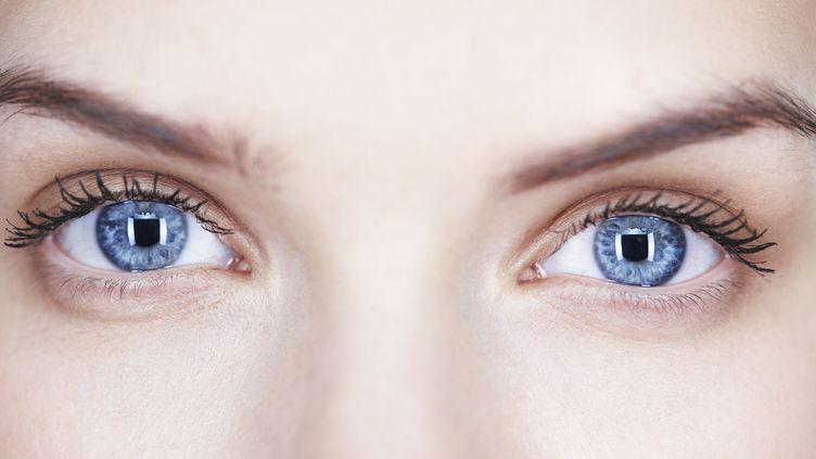 """D'ici à deux ou trois ans, une opération au laser pourrait changer la couleur des yeux en bleu, selon """"Le Parisien"""" du 16 novembre 2011. (FABRICE LEROUGE / GETTY IMAGES)"""