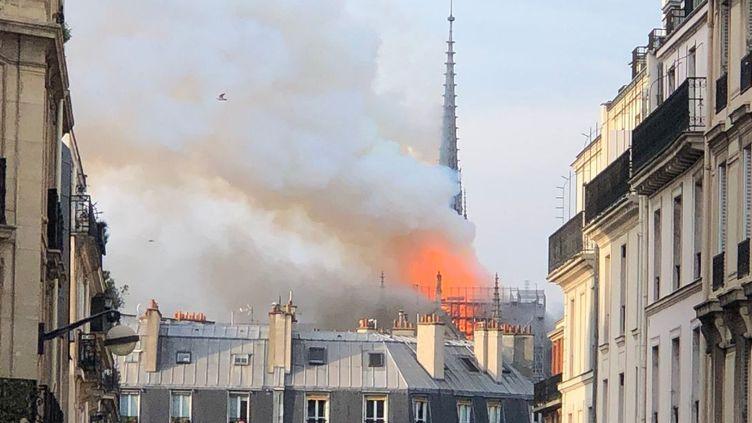 Un incendie à la cathédrale Notre-Dame-de-Paris, le 15 avril 2019. (H MISER)