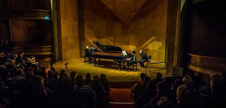 Les pianistes Arthur Ancelle et Ludmila Berlinskaïa en concert Salle Cortot à Paris.  (Laurent Bugnet)