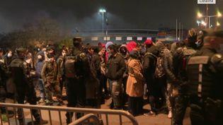 Seine-Saint-Denis : un camp de migrants démantelé près du Stade de France (FRANCE 2)