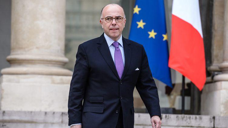 (Le ministre de l'Intérieur, Bernard Cazeneuve, a annoncé mercredi la dissolution de trois associations cultuelles liées à la mosquée de Lagny-sur-Marne © MaxPPP)