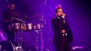 Yuri Buenaventura sur la scène de Jazz en Baie le mardi 11 août 2015.  (France 3)