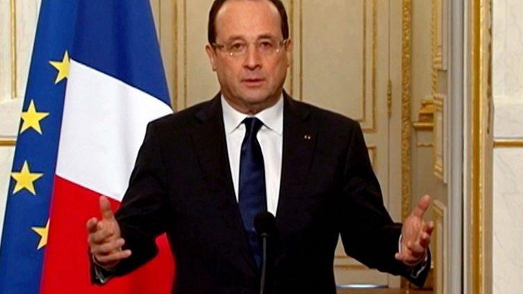 François Hollande lors de son allocution depuis l'Elysée, à Paris, le 3 avril 2013. (FRANCE 2 / AFP)