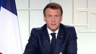 Covid-19 : Emmanuel Macron dévoile un calendrier de sortie de crise (FRANCEINFO)