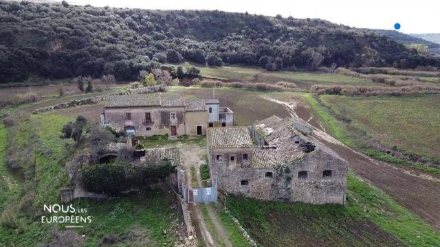 VIDEO. Sicile : la maison d'un boss de la mafia saisie par la justice à Syracuse va devenir un refuge pour des sans-abri