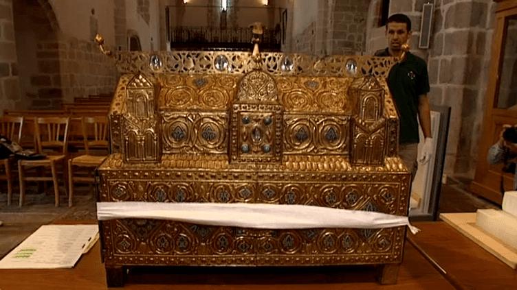 La châsse d'Ambazac aurait été réalisée entre 1180 et 1200.  (capture d'écran France 3 / Culturebox)