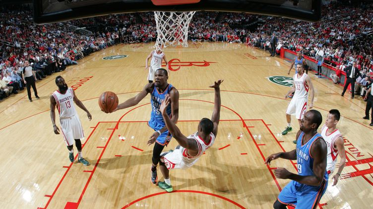 Kevin Durant (BILL BAPTIST / NBAE / GETTY IMAGES)