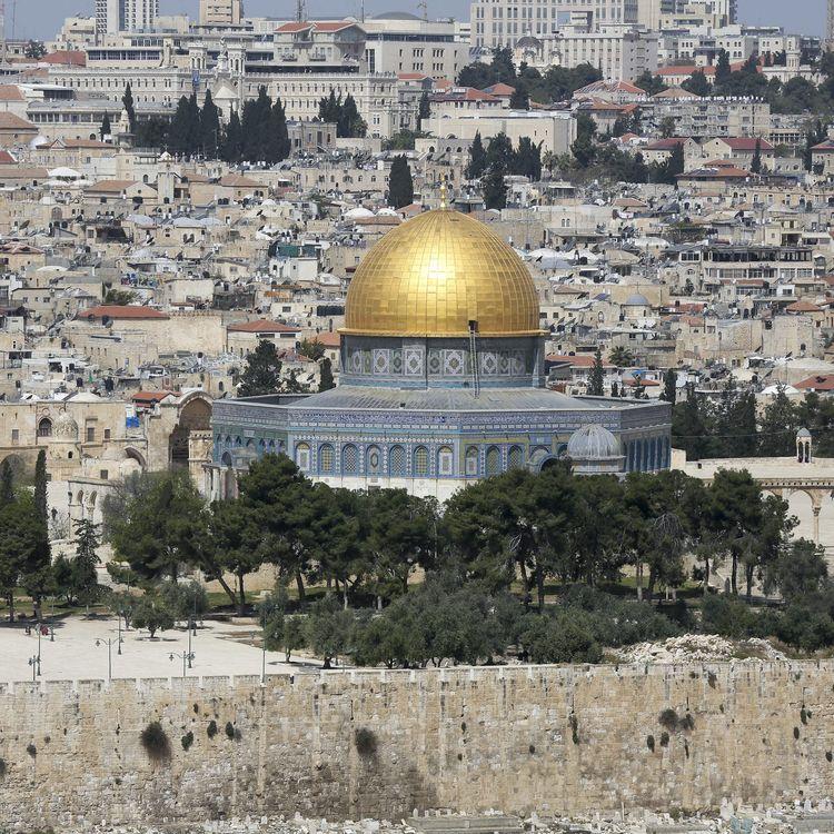 Le Dôme du Rocher vu depuis le mont des Oliviers, à Jérusalem, le 17 avril 2015. (MAXPPP)