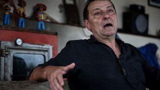 Cesare Battisti, le 30 octobre 2017 lors d'une interview réalisée àCananeia, au Brésil. (FERNANDO BIZERRA JR. / EFE)