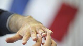 Trente couples d'Aulnay-sous-Bois (Seine-Saint-Denis) vont devoir faire valider à nouveau leur mariage, célébré en 2012 ou 2013. (MAXPPP)