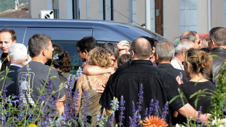 Les obsèques d'un salarié de France Télécom, qui s'est suicidé (© AFP/JEAN-PIERRE CLATOT)