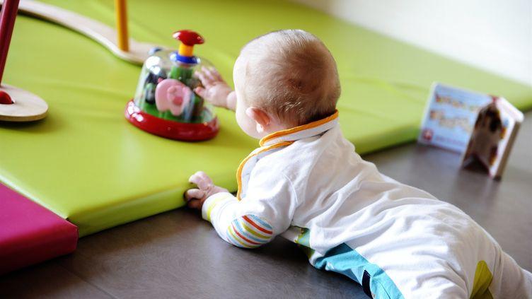 Enfant dans une crèche. Image d'illustration. (MAXPPP)