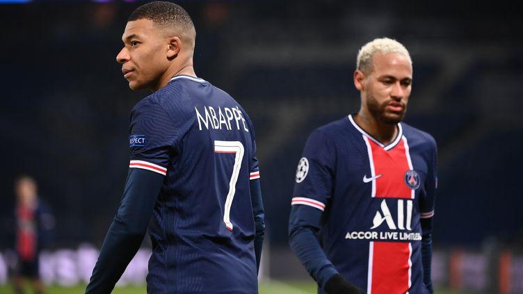 Pas de voie royale en L1 cette saison pour Neymar, Mbappé et leurs coéquipiers. (FRANCK FIFE / AFP)