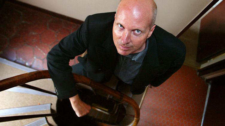 L'écrivain Jean-Philippe Toussaint en 2002 à Paris. (JOEL SAGET / AFP)
