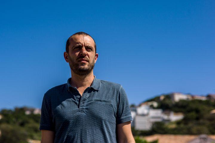 Marc Biancarelli, responsable d'une structure culturelle de Porto Vecchio, en mai 2017. (MATTHIEU MONDOLONI / FRANCEINFO)