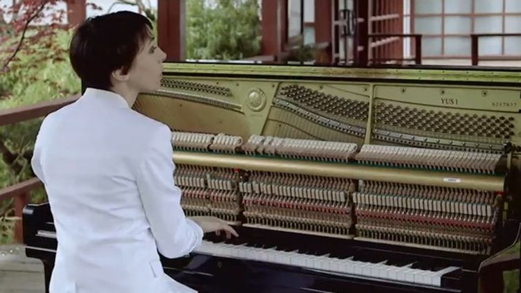"""Jeanne Cherhal dans la fiction musicale """"4 Histoires de J.""""  (Oléo Films / Culturebox)"""