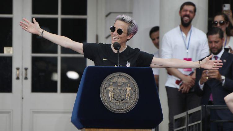 La co-capitaine de l'équipe américaine de football, Megan Rapinoe, le 10 juillet 2019 à New York, aux Etats-Unis. (BRUCE BENNETT / GETTY IMAGES NORTH AMERICA / AFP)