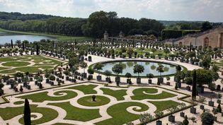 Le parc de l'Orangerie du château de Versailles, le 6 juin 2013 (illustration). (CLAIRE LEBERTRE / AFP)