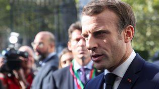 Emmanuel Macron s'exprime devant la presse, le 17 octobre 2019, à Bruxelles (Belgique). (ARIS OIKONOMOU / AFP)