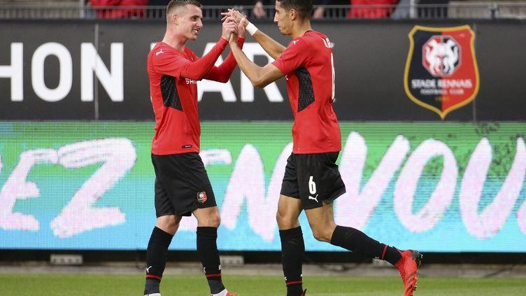Le RennaisNayef Aguerd (à g.) a inscrit le deuxième but breton du match, face à Rosenborg en Ligue Europea Conférence, jeudi 26 août. (JEAN CATUFFE / DPPI / AFP)